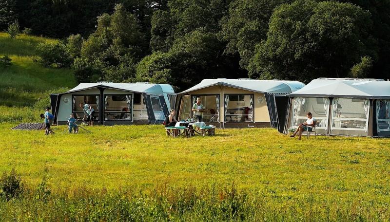 Et fortelt giver dig mere plads på campingferien